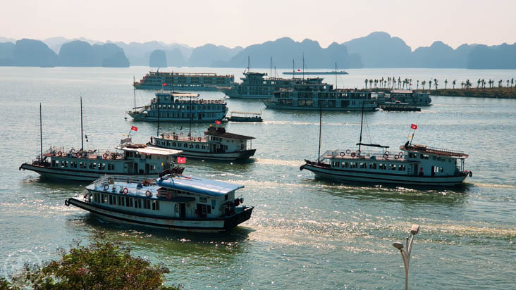 Ha Long Bay Harbour mouth
