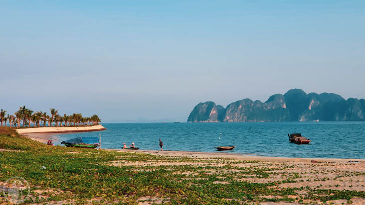 deserted beach in Ha Long bay