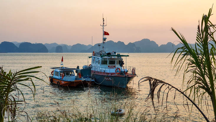 Mooring in Ha Long bay