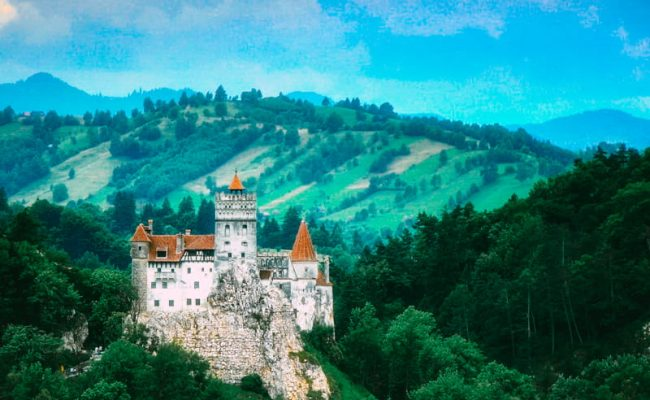 Se7en Reasons Why You Should Travel to Stunning Romania